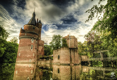 Castle Duurstede, (Tristan Roebersen) Tags: tristan roebersen 70d eos canon troebersen castle duurstede wijk bij kasteel water reflection view epic awesome grass reflections bridge wood old historic oldschool reunie sky skies cloud clouds skys new nice landscape tree plants stones bricks