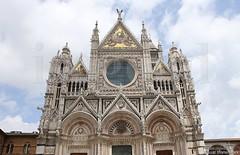 20160629_siena_duomo_cathedral_9999de6 (isogood) Tags: italy church catholic cathedral roman religion gothic christian tuscany siena duomo renaissance barroco santamariaassunta assumptionofmary