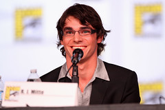 RJ Mitte (Gage Skidmore) Tags: california anna paul san comic rj jonathan aaron dean vince bad diego center bryan convention betsy brandt mitte con norris banks gunn breaking 2012 gilligan cranston