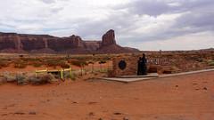 Navajo 04475 (Omar Omar) Tags: hot southwest utah ut sand sandstone desert dirt desierto navajo monumentvalley tierra buttes coloradoplateau desertsouthwest hotweather navajonation valleyoftherocks din hotclimate navajocountry terregal tsbiindzisgaii naabeeh drynation