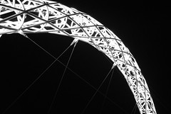 Wembley Arch in the dark [Explored] (zawtowers) Tags: light sky usa black london up japan dark evening football women arch bright stadium august games final finish late lit olympic olympics 9th thursday footy 2012 footie wembley wembleystadium london2012 resplendent