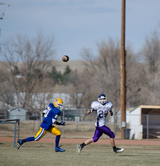 Simla000019 (ecphoteaux) Tags: sports football team colorado quarterback varsity defense highschoolfootball ehs footballplayers referees elbert officials offense lineman linemen teamsports runningback highschoolsports defensiveline offensiveline simlaco