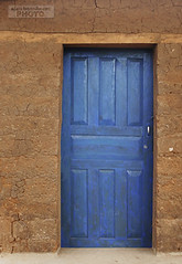 puerta 514 (alan benchoam) Tags: door wood old sexy brick texture beautiful puerta ancient doors guatemala rustic antigua adobe ladrillos guate puertas rstico rstica benchoam alanbenchoam