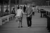 Tu padre decía que no duraría (milosnar) Tags: street puerto photography amor paseo vigo juntos compromiso cariño terceraedad duradero aprecio