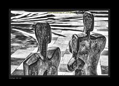 "ELENA LAVERON II (Tres personajes) (CODIGO DE LUZ ""El Fotgrafo"") Tags: blackandwhite bw byn blancoynegro arte escultura estatua ceuta brancoepreto arteenlacalle pepegutierrez ceutalaperladelmediterrneo pgutierrez cdigodeluz elenalaveron elementossimbolizadores"