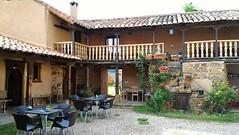 Patio las guedas (brujulea) Tags: las rural casa patio leon casas astorga albergue rurales aguedas brujulea