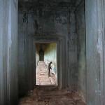 Angkor Wat - Cleaning Man thumbnail