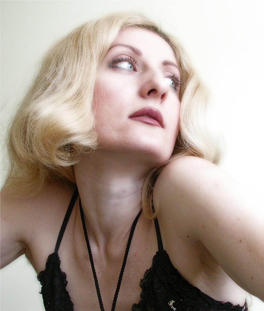 Noemie lenoir sex
