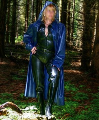 IMG_9325a (klepptomanie) Tags: mac pants boots latex hood raincoat wellies waders rubberboots rainwear gummistiefel klepper