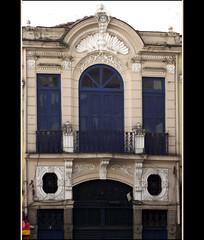 DSCF7431 (Marcia Rosa ()) Tags: door old brazil building window brasil riodejaneiro architecture facade ventana puerta rj balcony porta janela fachada faade antigo balco aequitetura marciarosa