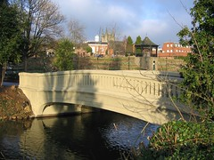 Tamworth (Man Of Green) Tags: 2005 bridge england river staffordshire tamworth castlegrounds riveranker tamworthcastlegrounds tamworthhistory castlegroundstamworth bridgecastlegroundstamworth castlegroundsbridgetamworth