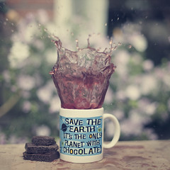 Save the earth (it's the only planet with chocolate) (Morphicx) Tags: bokeh chocolate lemonade mug canon5d canon50f14 cookiesplash savetheearthitstheonlyplanetwithchocolate morphicx pauladanielse
