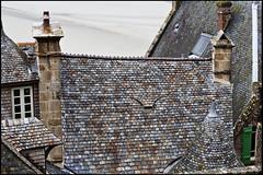 20120630_511 (sulamith.sallmann) Tags: roof france building history architecture ancient frankreich europa architektur normandie bauwerk dach gebude dachziegel manche fra middleage geschichte vergangenheit antik historisch dachspitze lemontsaintmichel ziegel mittelalter schiefer dachschindeln bassenormandie uralt hausdach schieferdach dachpfannen architektonisch sulamithsallmann blickvonoben friendlychallenges beginnerdigitalphotographychallengewinner gedecktesdach