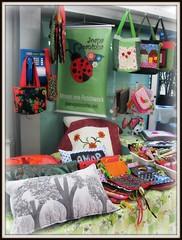 Tudo pronto pra te receber no Mercado das Artes amanh e depois! (Joana Joaninha) Tags: amorlove joanajoaninha minasgerais almofada bolsa carinho evento