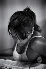 Lectura #1 (Voroshin - ) Tags: portrait blackandwhite bw byn blancoynegro canon eos 50mm retrato f14 bn ii analoga analogue elan 50e paola biancoenero analogica  analogic caffenol cafenol argentica  voroshin javierbence