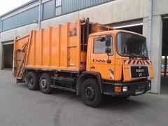 MAN 24.262 (Vehicle Tim) Tags: orange man truck f90 fahrzeug lkw m90 mllwagen komunal