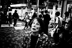 Intense (Jiajun Yang) Tags: street leica people bw blackwhite streetphotography m82 monochrone voigtlandernokton35mmf14sc
