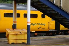 Flying Banana @ Kidsgrove (uksean13) Tags: yellow train canon diesel rail railway networkrail kidsgrove flyingbanana 43014 43013 ef70200mmf4lusm hst125 testtrain therailwayobserver 760d
