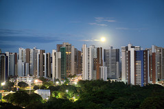 Lua Azul e Marte (Arimm) Tags: city blue mars moon building skyline architecture skyscraper outdoor full highrise arimm