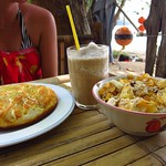 "Beachside Banana Pancake, Coffee Shake, Muesli <a style=""margin-left:10px; font-size:0.8em;"" href=""http://www.flickr.com/photos/14315427@N00/6920910922/"" target=""_blank"">@flickr</a>"