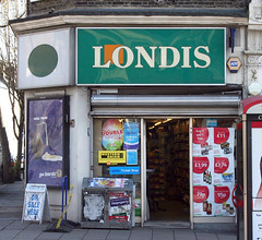 Londis, Holloway Road N7 (Emily Webber) Tags: london shops islington hollowayroad shopfronts n7 londnshopfronts