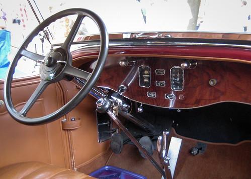 1931 Pierce Arrow Model 41 Dual Cowl Phaeton front interior