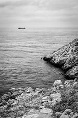 Acantilados b/n (Jaime GF) Tags: sea bw cliff costa coast mar spain nikon barco ship asturias bn acantilado gozn d7000