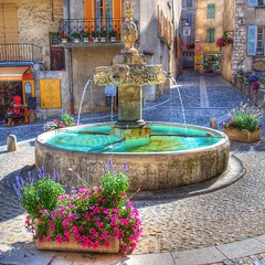 Un si joli petit village (marcovdz) Tags: street flowers summer france fountain fleurs village place provence t rue fontaine hdr provencal 3xp valensole provenal