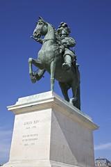 Louis XIV (y_phog) Tags: france statue canon versailles  louisxiv roisoleil chateaudeversailles   ef24105mmf4lisusm eos5dmarkii 14
