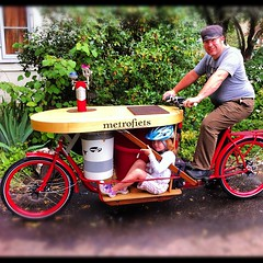 Keg and child transport! #cargobike #metrofiets (METROFIETS) Tags: square squareformat cargobike beerbike metrofiets iphoneography instagramapp uploaded:by=instagram