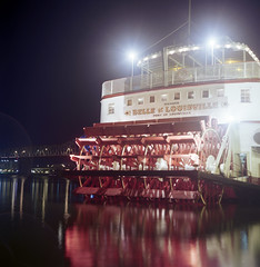 Belle of Louisville (deatonstreet) Tags: longexposure 120 6x6 film kentucky riverboat louisville steamer ohioriver automat flexaret kodakektar100
