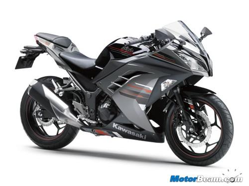 2013-Kawasaki-Ninja-250R-31