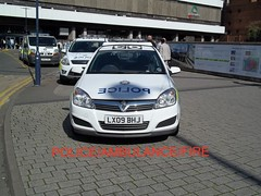 British transport police- vauxhall astra estate, ford kuga, renault traffic cage van & ford focus estate response vehicles.. (policeambulancefire(2)) Tags: new blue two english ford car lights pier focus estate traffic side transport police cage headlights grill led yelp wig vehicle leds british hilo van irv incident tone astra vauxhall response kuga armed sirens btp wail bullhorn whelen wags airhorn lightbar arv renualt barnd