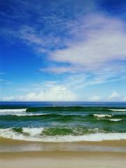 Paradise is here (Rodrigo Neves - Catching up with your great work s) Tags: ocean sea praia beach brasil sand rj ace samsung wave galaxy shore oceano onda cabofrio foguete flickrandroidapp:filter=toucan