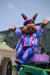 Hippity-Hoppity Springtime (sidonald) Tags: tokyo disney parade brerrabbit tokyodisneyland tdl パレード tdr tokyodisneyresort ディズニーランド ヒピホピ ディズニー・イースター hippityhoppityspringtime disneyseaster2016