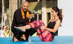 'शिल्पा शेट्टी' एवं उनका 'योग'! Yoga for Women, Shilpa Shetty, Bollywood, Hindi Article (mithilesh2020@yahoo.co.in) Tags: amitabhbachchan anilkapoor babaramdev bollywoodactressshilpashetty fitness internationalyogaday narendramodi rajpath shilpashetty workoutclothes workoutclothesforwomen yoga yogaapparel yogaclothes yogaclothesforwomen yogaday yogaequipment yogaforwomen yogagear yogamat yogaoutfits yogapants yogashorts yogasupplies yogatops yogawear अंतरराष्ट्रीययोगदिवस नरेंद्रमोदी बॉलीवुडअभिनेत्री योग योगदिवसकार्यक्रम राजपथ शिल्पाशेट्टी