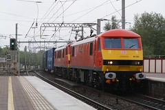 "DB Cargo Rail Class 90/0's, 90019 ""Multimodal"" & 90029 (37190 ""Dalzell"") Tags: red northwestern skoda wigan 90029 sparkies multimodal dbc class90 90019 acelectric dbschenker 90129 brelcrewe class900 dbcargorail"