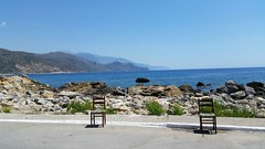 Greece, Crete. (~Ingeborg~) Tags: beach strand walking wandelen sun zon chair stoel greece seatandrest verlangens desires love liefde meinge eiland griekenland crete kreta stilllife stilleven bluewater