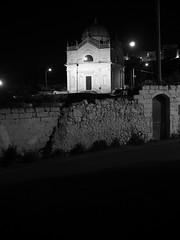 Ostuni_36_1240 (Dubliner_900) Tags: bw monochrome nightshot olympus puglia biancoenero notturno ostuni micro43 handshold omdem5markii mzuikodigitaled1240mm128pro