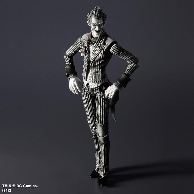 Play Arts -改- 蝙蝠俠:阿卡漢療養院 蝙蝠俠/小丑 [SDCC 限定 黑白版]