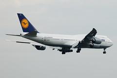 Lufthansa Boeing 747-830 D-ABYA  MSN 37827 (Jimmy LWH) Tags: aircraft lh boeing flugzeug boeing747 747 fra dlh avion sigma100300mm vliegtuig staralliance aeroplano eddf 7478 boeing7478 波音 ex100300f4 dabya boeing7478intercontinental 汉莎航空 星空联盟 lwh1988 747830 02may2012eddf msn37827