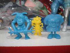 Micros (kopponigen) Tags: blue yellow azul toy toys mini micro bacteria premium juguete gargamel nescao galaxico