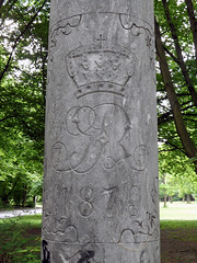 Regimentssule von 1879 (onnola) Tags: park berlin monument germany army deutschland memorial column volkspark gedenkstein armee neuklln denkmal regiment 1879 gedenken prussia memorialstone sule hasenheide preusen volksparkhasenheide