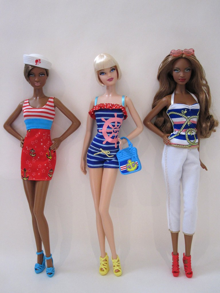 Catalogue Fashion Packs For Barbie And Midge