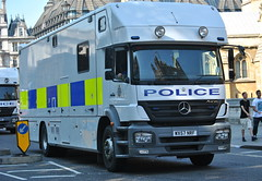 Avon & Somerset Police / Mercedes Atego 1823L / Mounted Unit Horse Carrier / WX57 NRF (Chris' 999 Pics) Tags: street old uk blue houses light england horse woman man london film speed lights mercedes bill pc nikon bars pix order fuji cops box united nick fine blues police samsung kingdom parliament somerset games cop finepix mounted copper and fujifilm service law hd enforcement olympic breakers olympics emergency 112 avon siren carrier coppers abingdon arrest transporter policeman 2012 unit 999 constable 991 twos strobes atego policing lightbars rotators of d3000 1823l leds s2750 wx57nrf