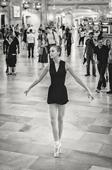 Ballet Dancing at Grand Central X (Uwe Seiler) Tags: new york usa nikon 18200 d70nikon vrii yorknikon usanikon d7000 vriinikon 20120725 d70nikond7000 usa20120725 usad7000 usausanew