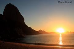 Nascer do Sol na Praia Vermelha - Rio de Janeiro (mariohowat) Tags: sun riodejaneiro sunrise natureza sugarloaf podeaucar nascerdosol praiavermelha mygearandme mygearandmepremium mygearandmebronze