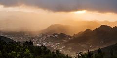 Santa Cruz de Tenerife (Rafael Gonzalez V.) Tags: sunset fog atardecer landscaping foggy playa v tenerife rafael gonzalez neblina teneriffa ocaso paisajismo 201212