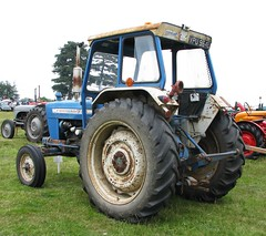 VPU 964L (Nivek.Old.Gold) Tags: tractor ford 1972 4000