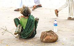 Passanti....... (rik58) Tags: povert